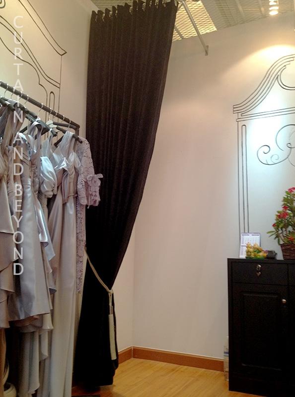 ผ้าม่านตาไก่ Siam Square One-2
